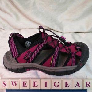 Keen Newport H2 Hiking Water Sandals